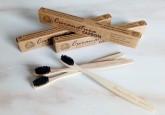 Curanatura Bambusový zubní kartáček CARBON (uhlíkové štětiny soft)