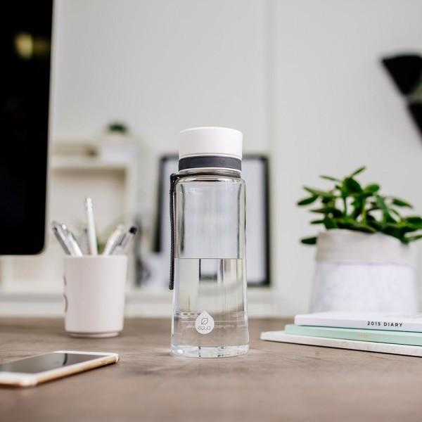 EQUA Plastová lahev na pití White bez BPA