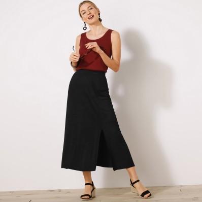 Jednobarevná úpletová sukně