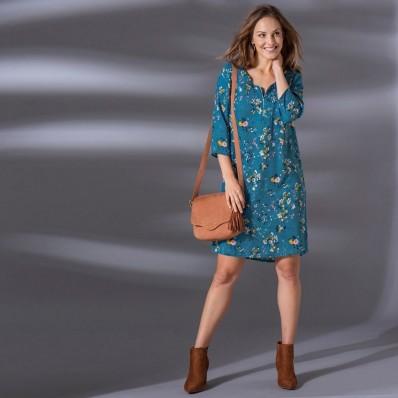 Šaty s výstrihom na zips a potlačou