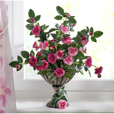 Trandafiri salbatici in vaza