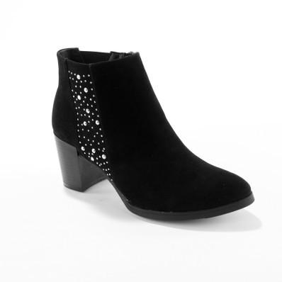 Topánky s kamienkami