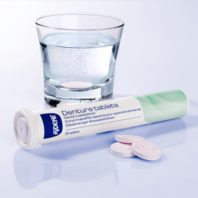 30 čisticích tablet pro zubní protézy