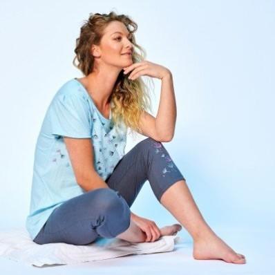 3/4 jednobarevné pyžamové kalhoty se vzorem květin