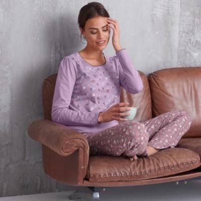 Pyžamové tričko s potlačou kvetín a dlhými rukávmi