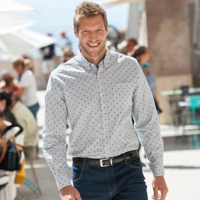 Košile v minimalistickém designu