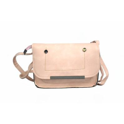 Claudia vállpántos táska