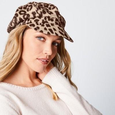 Šiltovka s leopardím vzorom