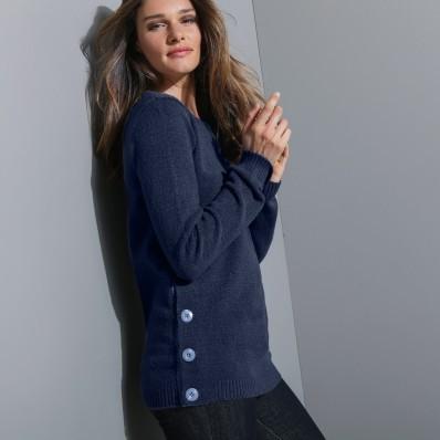 Sweter z plisą guzikową