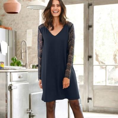 Šaty s čipkovanými dlhými rukávmi