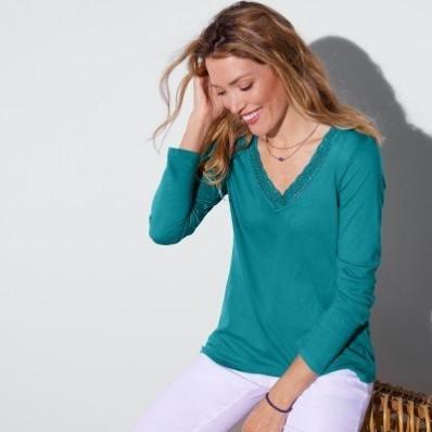 Jednofarebné tričko s macramé, s dlhými rukávmi
