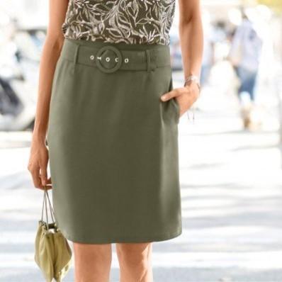 Jednofarebná rozšírená sukňa