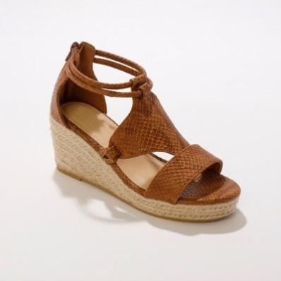 Sandály na lýkovém klínovém podpatku, karamelové