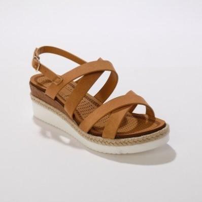 Sandály s překříženými pásky, karamelové