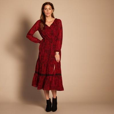 Dlouhé šaty s kašmírovým vzorem