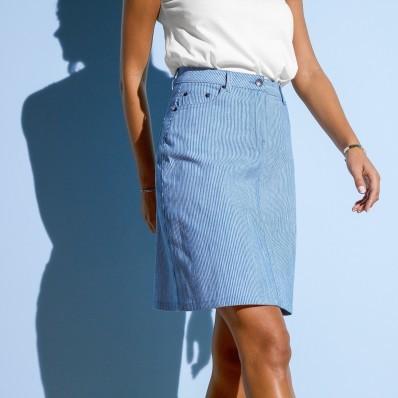 Rozšírená sukňa s pruhmi