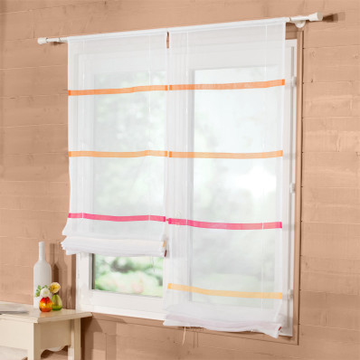 Záclona s prúžkami