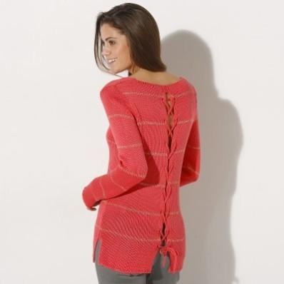 Pruhovaný pulovr se šněrováním vzadu