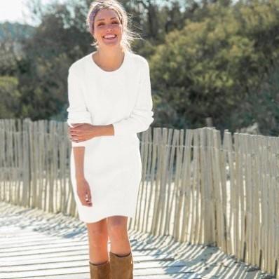 Pulóvrové šaty s vrkočovým vzorom