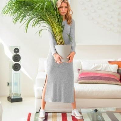 Vrúbkované dlhé šaty