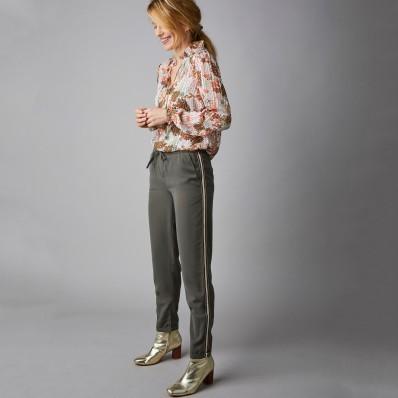 Rovné kalhoty s postranními lampasy
