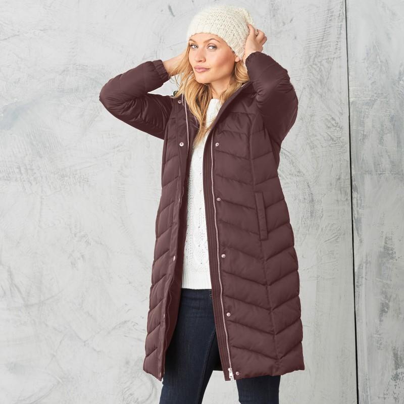 Dlouhá bunda s kapucí