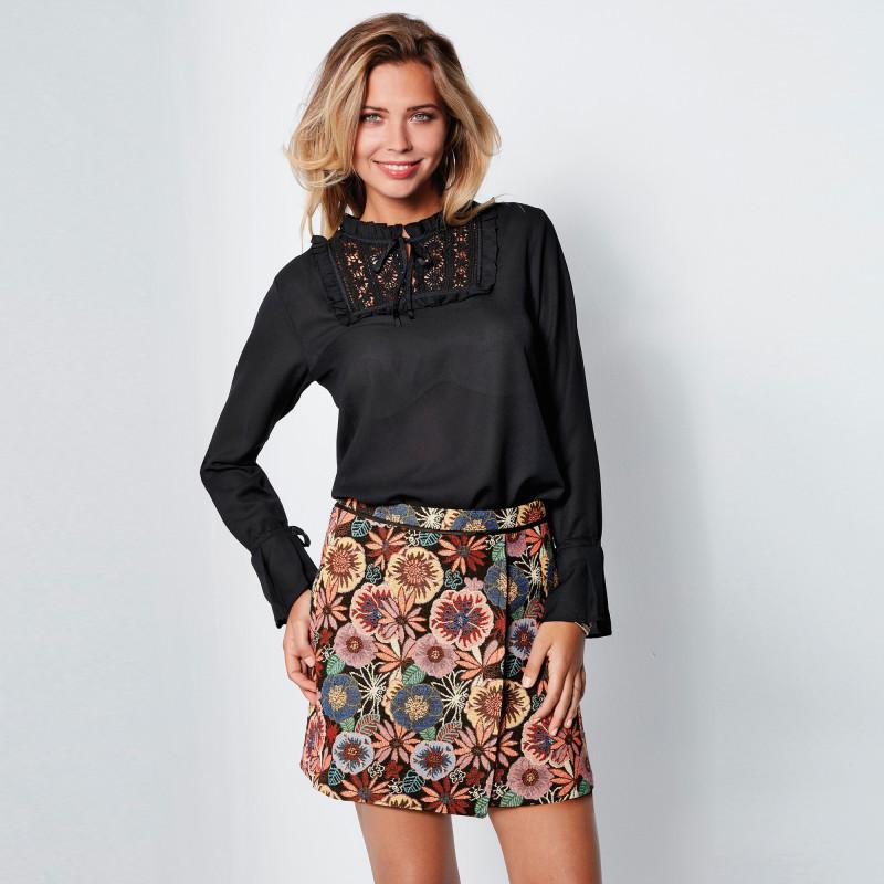 Krátka sukňa s potlačou