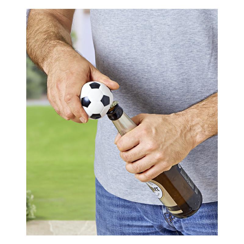 Otvírák na lahve s fotbalovou atmosférou onerror=