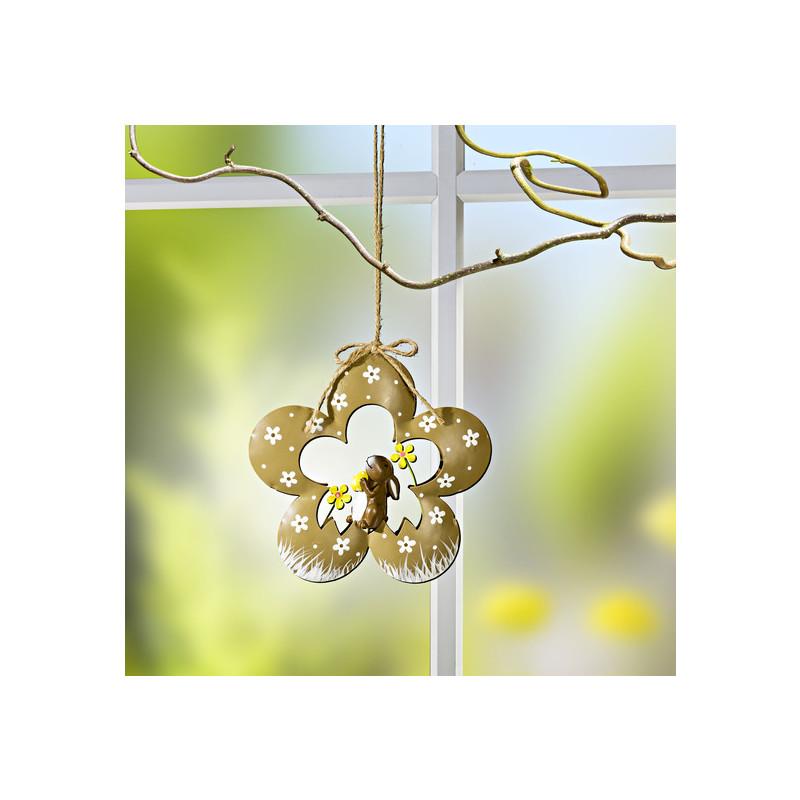 Kvetinová dekorácia na zavesenie
