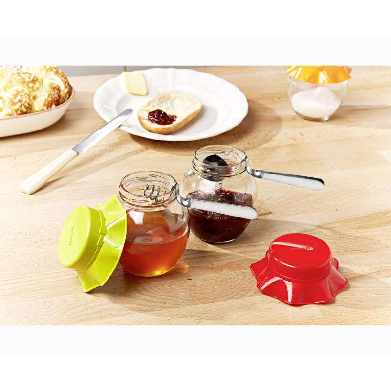 2 lyžičky na marmeládu a med