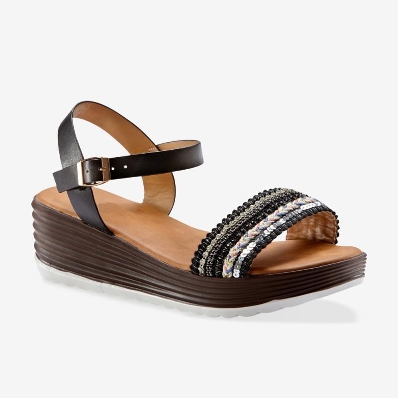 Sandály zdobené korálky, na klínku