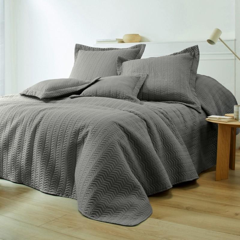 Prikrývka na posteľ, štýl boutis
