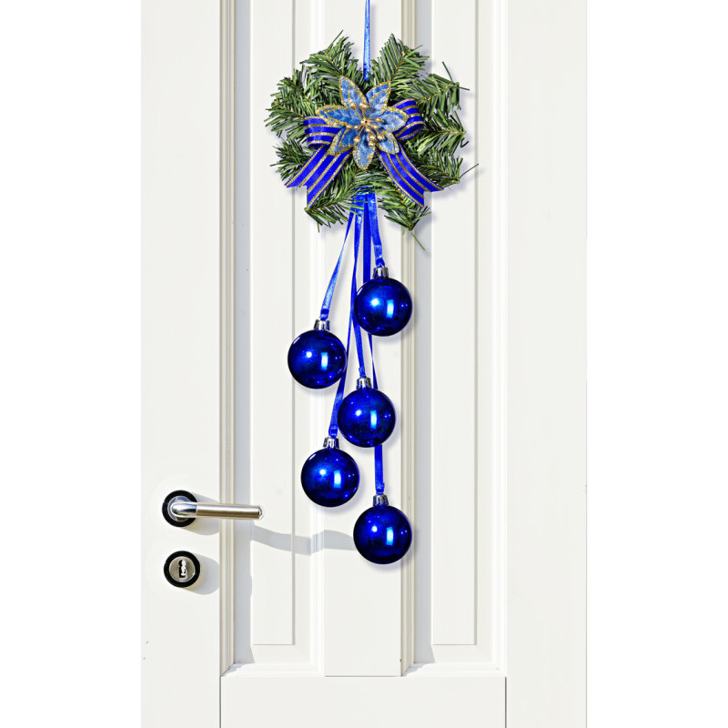 Vianočná dekorácia na dvere