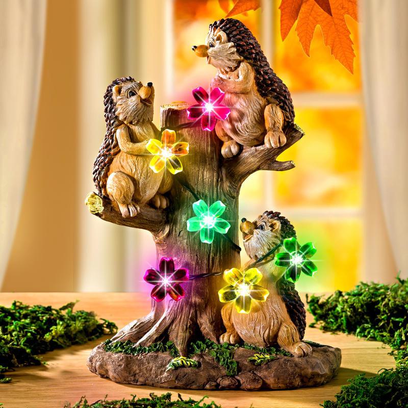 Solární strom + ježci onerror=