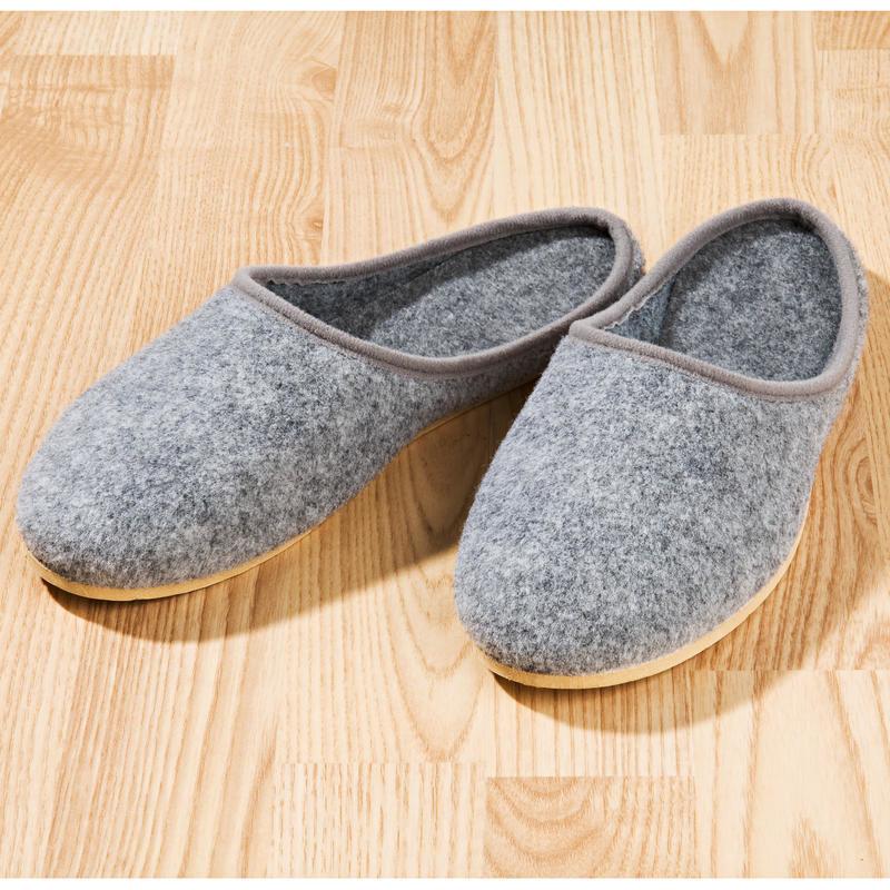 Dámské pantofle, světle šedá onerror=