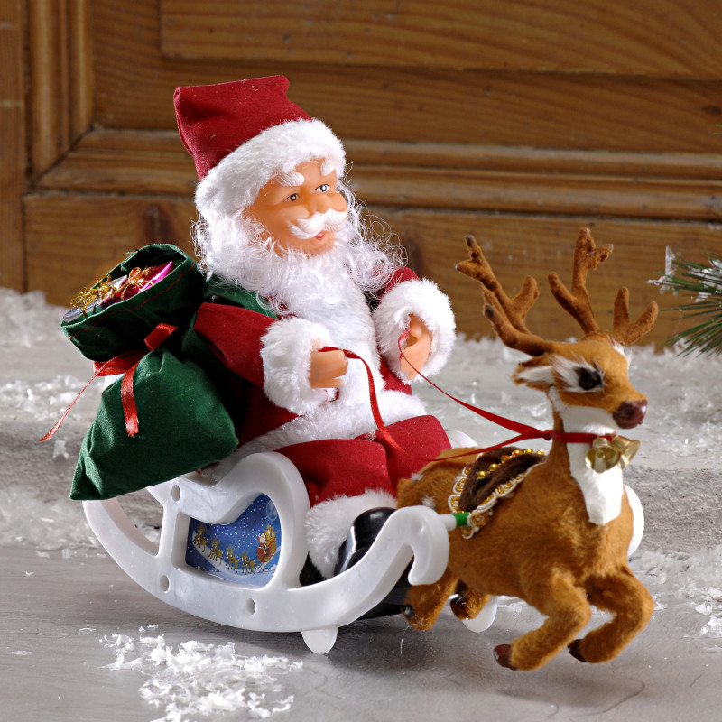 Święty Mikołaj na sankach onerror=