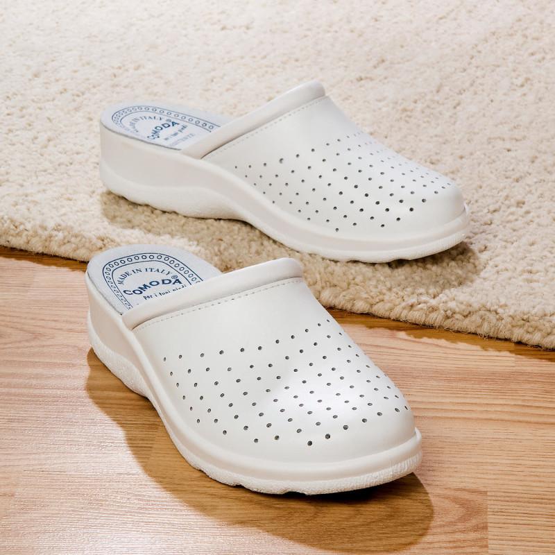 Pantofle, bílá onerror=