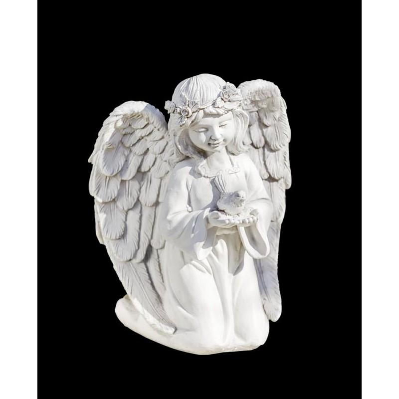 Anděl s holubicí míru onerror=