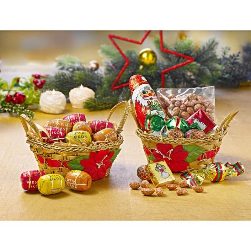 2 vianočné košíčky so sladkosťami