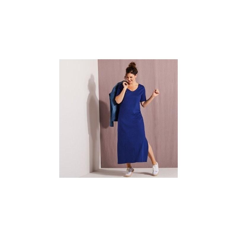 Długa sukienka z krótkim rękawem onerror=