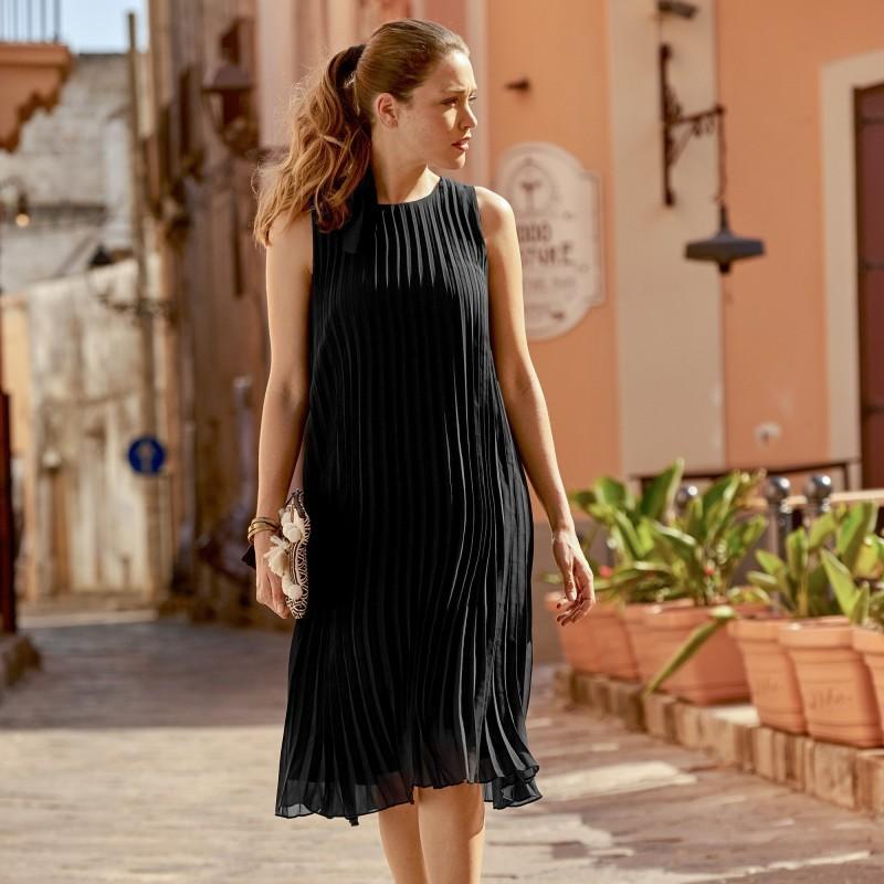 Plisowana sukienka bez rękawów onerror=