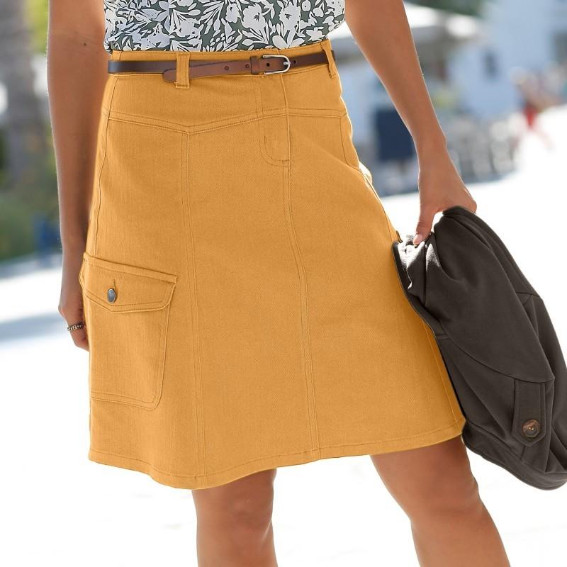Širší sukně s kapsami na bocích