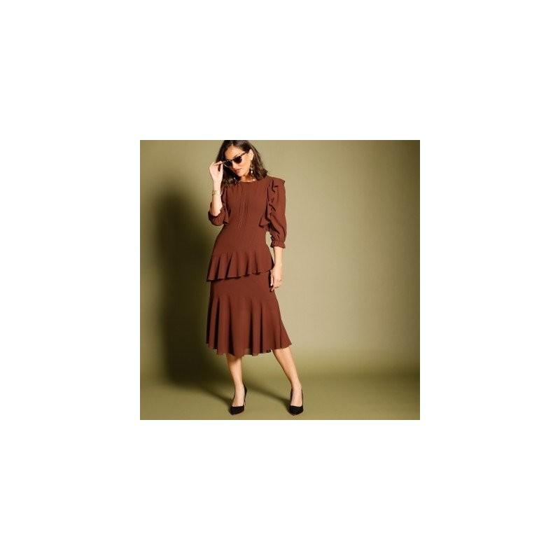 Volánové asymetrické šaty s 3/4 rukávmi