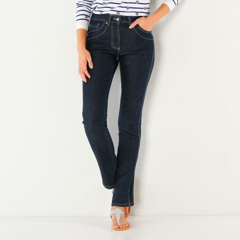 Dlhé džínsové nohavice pre strednú postavu
