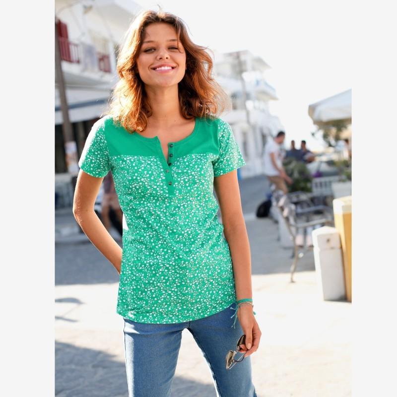 Tričko s tuniským výstrihom a bodkami