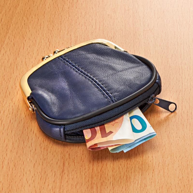 Kožená peněženka onerror=