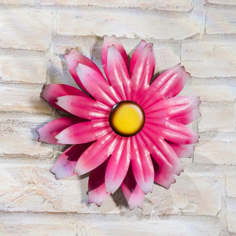 Květina na zeď