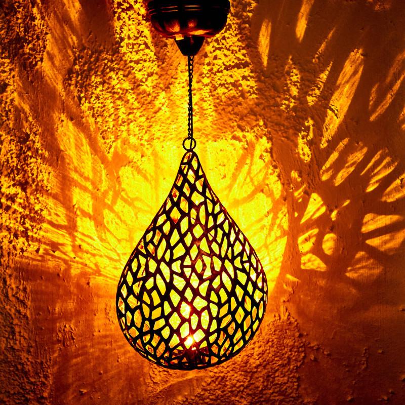 Solární závěsná lampa
