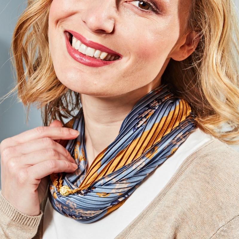 Plizovaný šátek s magnetickým uzávěrem onerror=