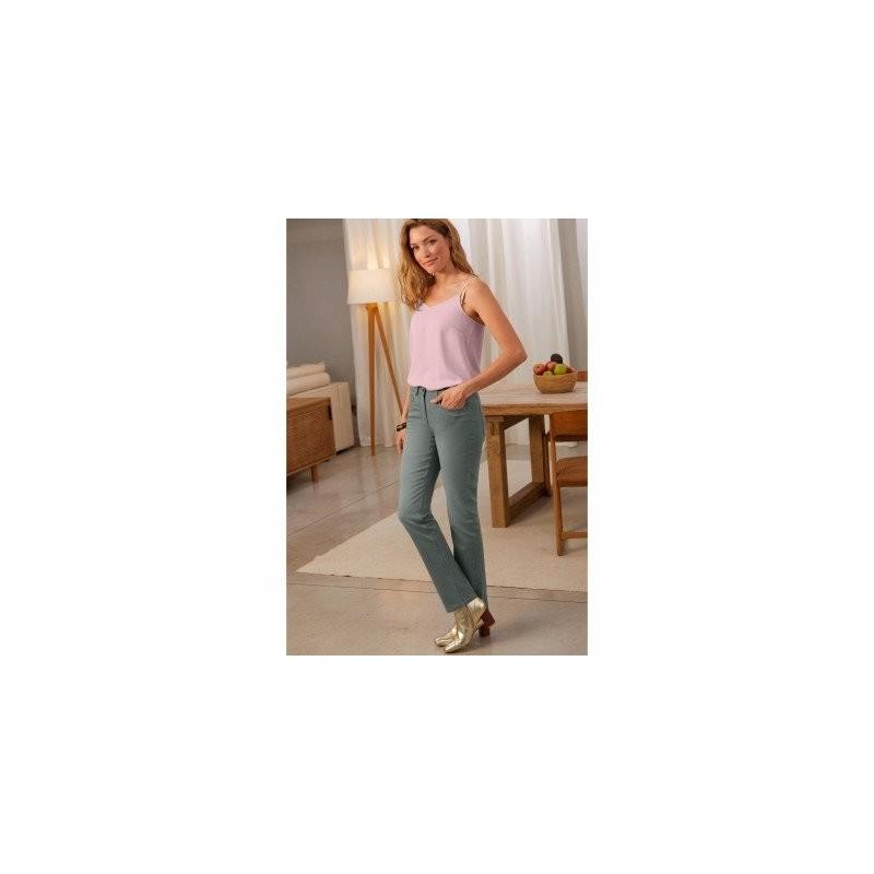 Rovné džínsy s laserovým zapraným efektom